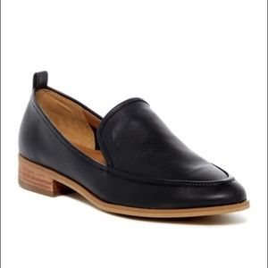 Susina 'Kellen' Almond Toe Loafer Flat